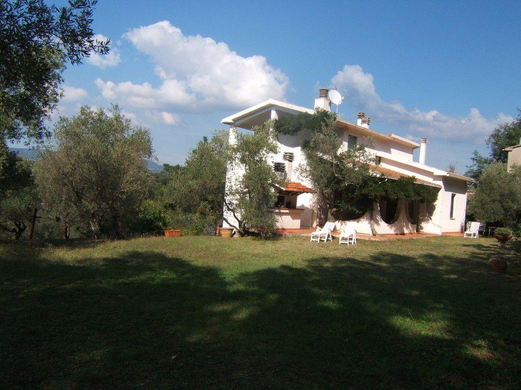 villa vendita montescudaio